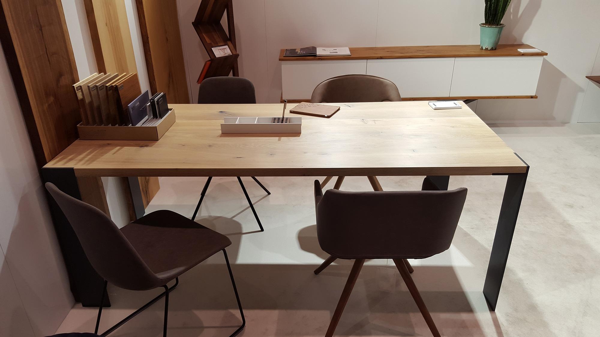 Moderner Designer Tisch KT5   Palatti
